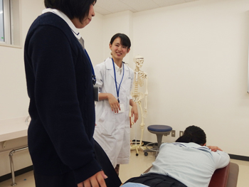 あん摩マッサージ指圧の実技体験