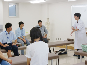 赤門鍼灸柔整専門学校オープンキャンパス柔道整復実技